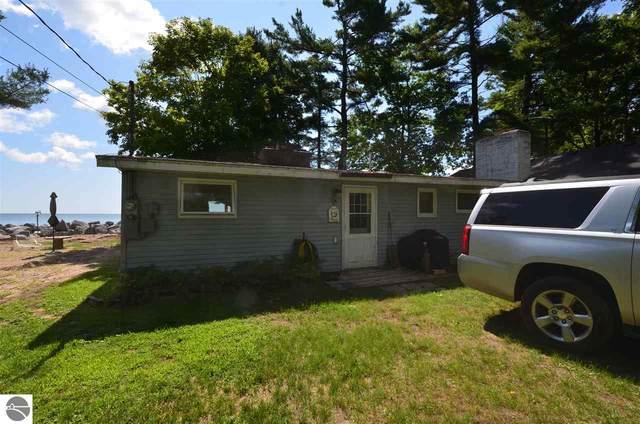 820 Ottawas Lane, East Tawas, MI 48730 (MLS #1878405) :: Michigan LifeStyle Homes Group