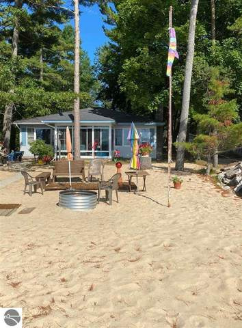 816 N Us-23, East Tawas, MI 48730 (MLS #1878429) :: Michigan LifeStyle Homes Group