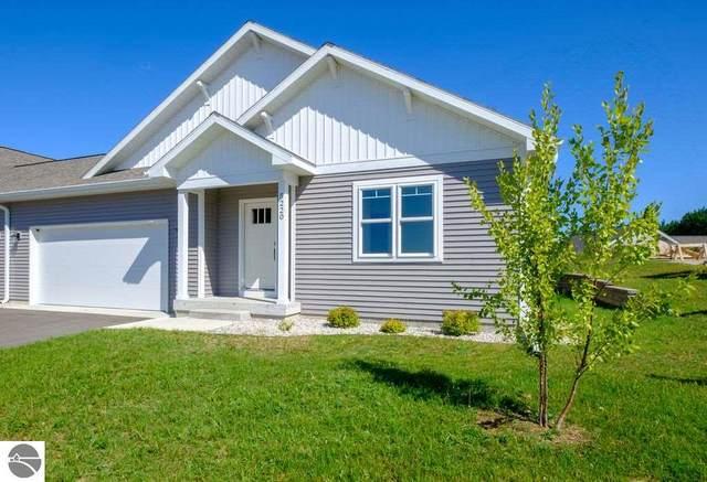 5212 Lone Maple Drive #51, Traverse City, MI 49685 (MLS #1878445) :: CENTURY 21 Northland