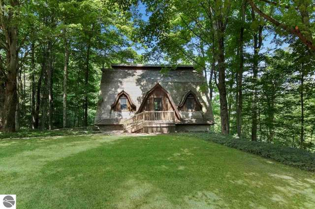 470 N Pine Tree Lane, Beulah, MI 49617 (MLS #1878447) :: Michigan LifeStyle Homes Group