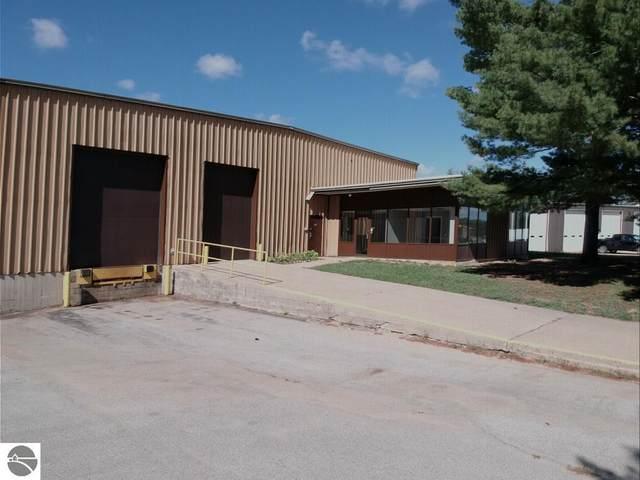210 W Park Drive, Kalkaska, MI 49646 (MLS #1878460) :: Brick & Corbett
