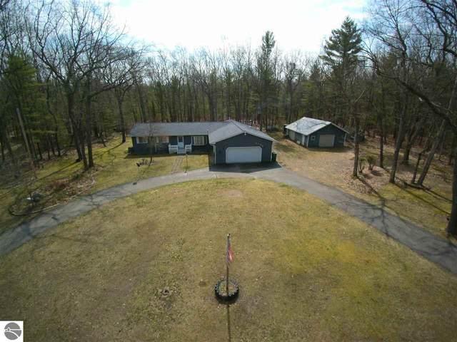 4166 Gagnon Trail, Oscoda, MI 48750 (MLS #1878497) :: Michigan LifeStyle Homes Group