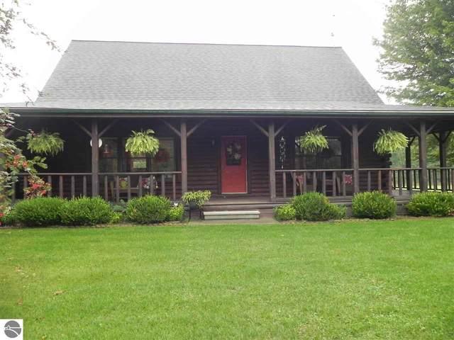 6410 S Lapearl Road, Mt Pleasant, MI 48858 (MLS #1878505) :: Michigan LifeStyle Homes Group