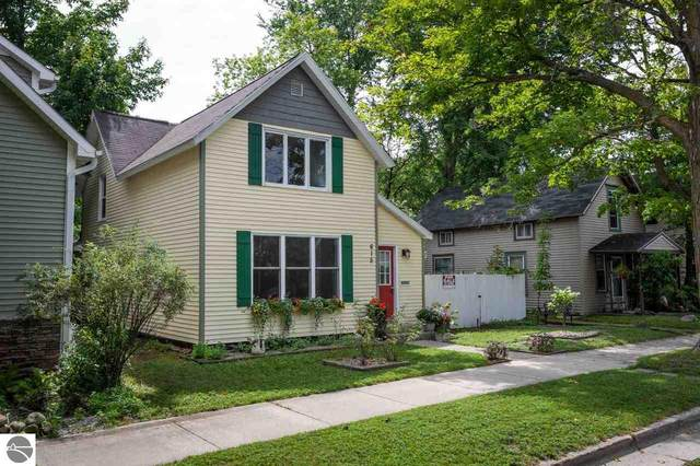 615 Second Street, Traverse City, MI 49684 (MLS #1878540) :: Michigan LifeStyle Homes Group