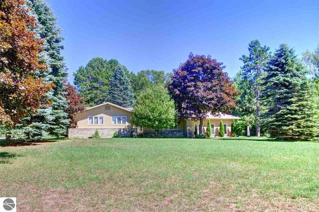 2085 S Lake Leelanau Drive, Lake Leelanau, MI 49653 (MLS #1878556) :: Michigan LifeStyle Homes Group