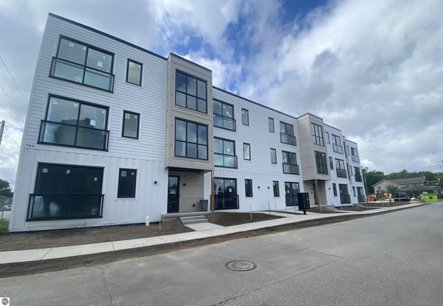 705 Cypress Street #4, Traverse City, MI 49684 (MLS #1878626) :: Michigan LifeStyle Homes Group