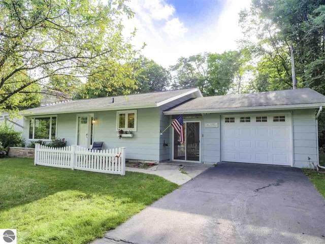6100 Peninsula Drive, Traverse City, MI 49686 (MLS #1878697) :: Brick & Corbett