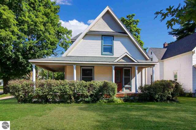 1028 W Front Street, Traverse City, MI 49684 (MLS #1878729) :: Michigan LifeStyle Homes Group