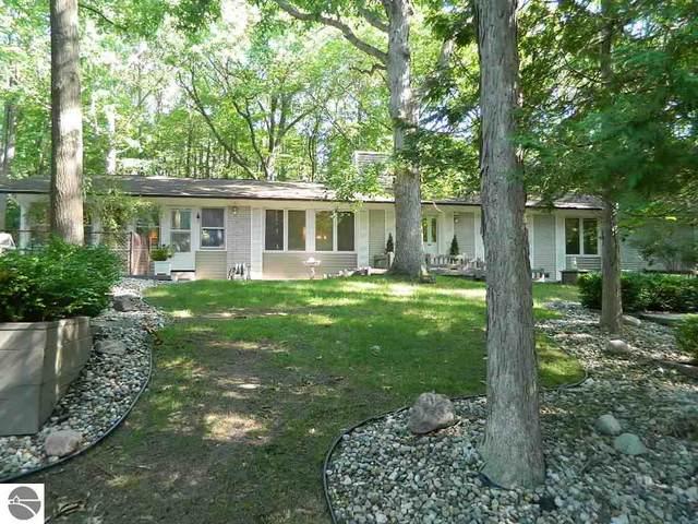 383 Hiawatha Drive, Mt Pleasant, MI 48858 (MLS #1878736) :: Michigan LifeStyle Homes Group