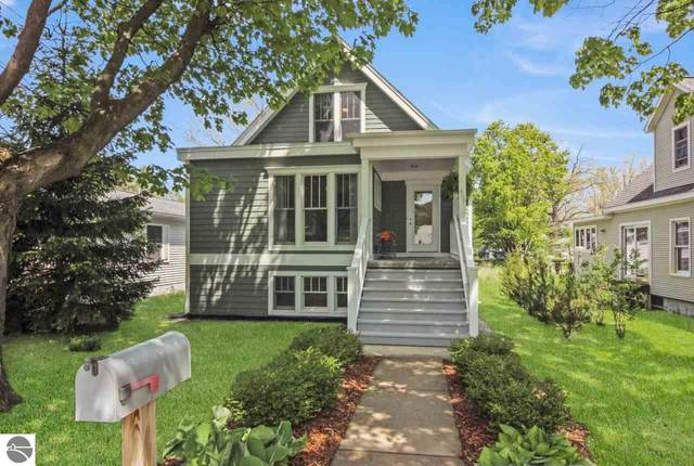 400 W Sixteenth Street, Traverse City, MI 49684 (MLS #1878795) :: Michigan LifeStyle Homes Group
