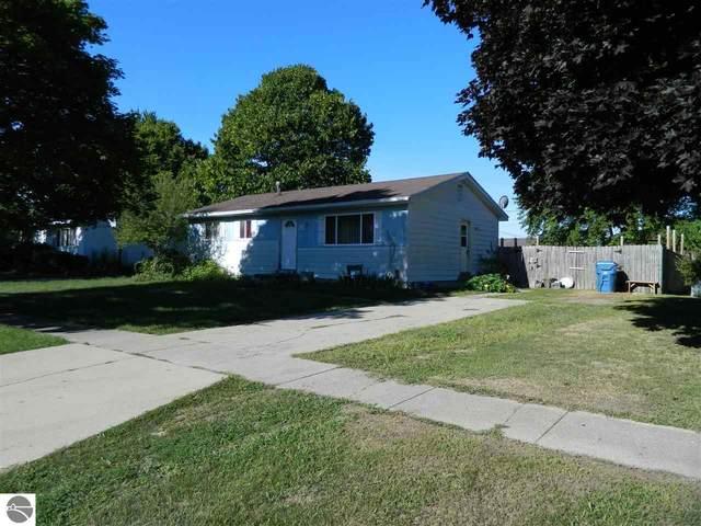 316 S James Street, Standish, MI 48658 (MLS #1879091) :: Michigan LifeStyle Homes Group