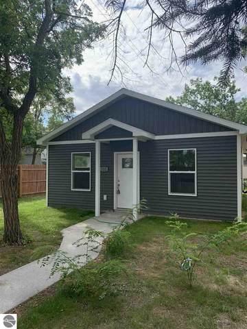1206 Cass Street, Traverse City, MI 49685 (MLS #1879245) :: Michigan LifeStyle Homes Group