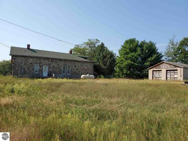 2133 S Finley Lake Avenue, Harrison, MI 48625 (MLS #1879272) :: CENTURY 21 Northland