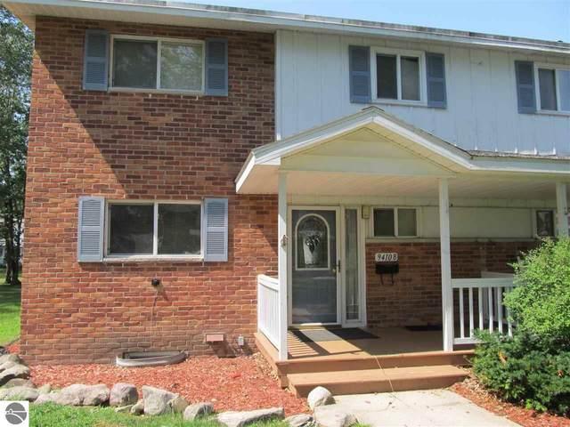 9410B 6th Street, Oscoda, MI 48750 (MLS #1879333) :: Brick & Corbett