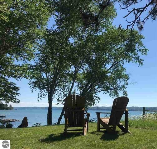 1886 SE Torch Lake Drive, Bellaire, MI 49615 (MLS #1879375) :: Michigan LifeStyle Homes Group
