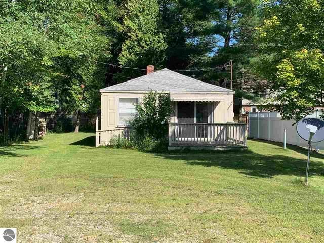 1122 W Lake Street, Tawas City, MI 48763 (MLS #1879425) :: Michigan LifeStyle Homes Group