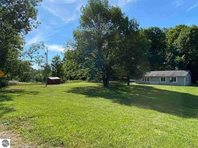13983 Taft Road, Big Rapids, MI 49307 (MLS #1879455) :: Michigan LifeStyle Homes Group