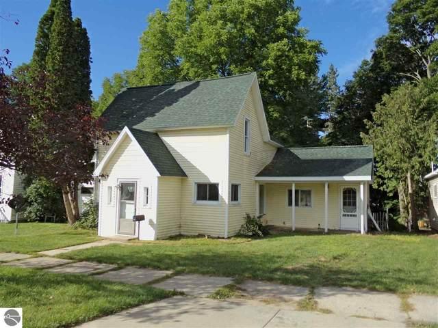 808 Lynn Street, Cadillac, MI 49601 (MLS #1879517) :: CENTURY 21 Northland
