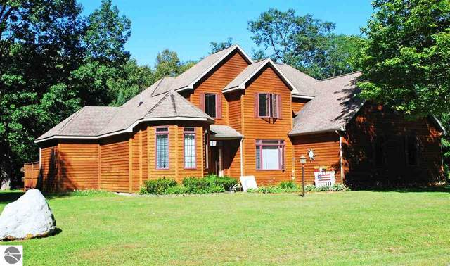 7465 W Woodlea Road, Oscoda, MI 48750 (MLS #1879533) :: Brick & Corbett
