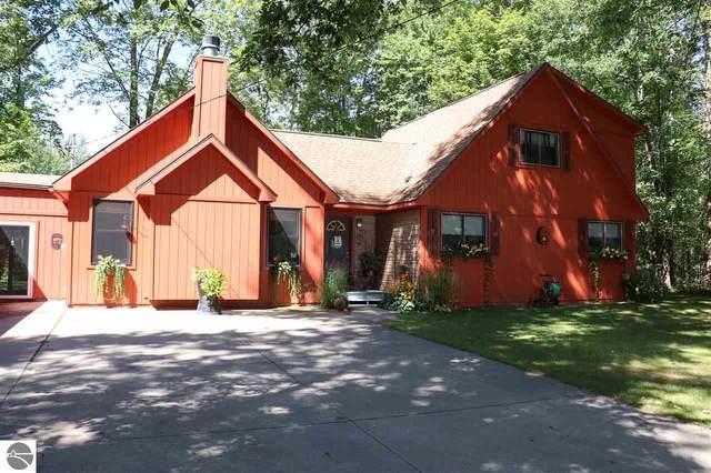 3111 Woodmont Court, Lake, MI 48632 (MLS #1879537) :: CENTURY 21 Northland