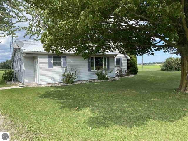 6596 W Washington Road, Ithaca, MI 48847 (MLS #1879548) :: Michigan LifeStyle Homes Group