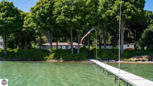 4049 SW Bay Shore Drive, Suttons Bay, MI 49682 (MLS #1879598) :: Team Dakoske | RE/MAX Bayshore
