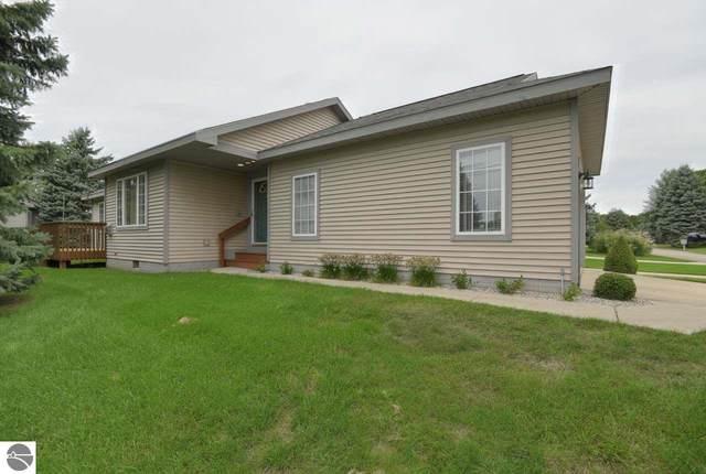12059 S Elk Run #59, Traverse City, MI 49684 (MLS #1879785) :: Michigan LifeStyle Homes Group