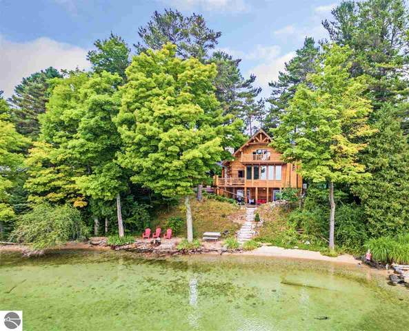 566 N West Bay Shore, Suttons Bay, MI 49682 (MLS #1879924) :: Team Dakoske | RE/MAX Bayshore