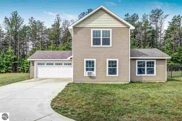 2076 Woodside Trail Court, Traverse City, MI 49685 (MLS #1879940) :: CENTURY 21 Northland
