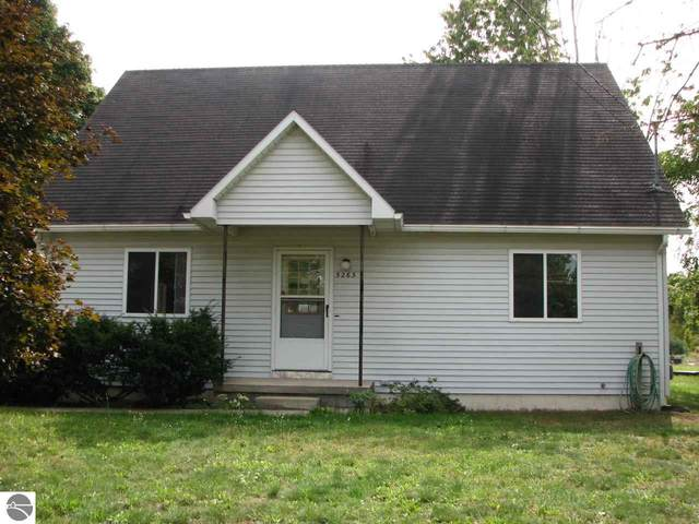 5263 W Mobile Trail, Traverse City, MI 49685 (MLS #1879960) :: Michigan LifeStyle Homes Group