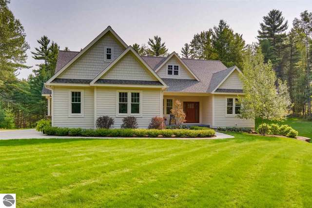 4400 Lands End Road, Traverse City, MI 49696 (MLS #1880044) :: Team Dakoske | RE/MAX Bayshore