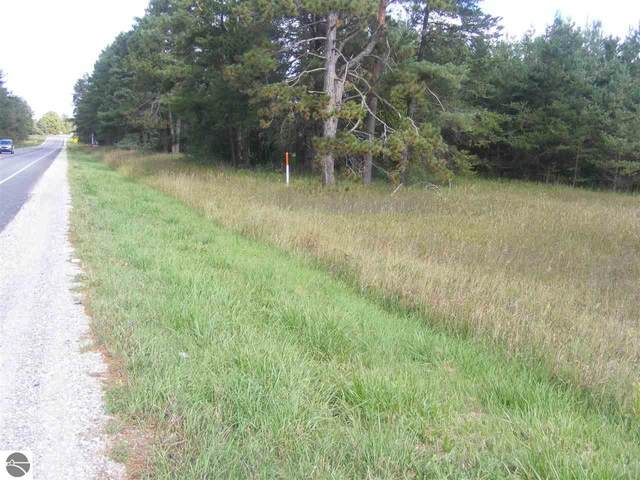 2285 S Mackinaw Trail, Cadillac, MI 49601 (MLS #1880060) :: Michigan LifeStyle Homes Group