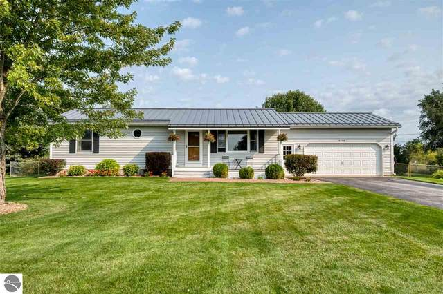 5718 Cherry Blossom Drive, Traverse City, MI 49685 (MLS #1880077) :: Michigan LifeStyle Homes Group