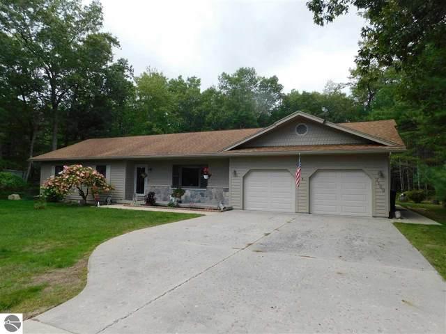 7169 Cedar Lake Road, Oscoda, MI 48750 (MLS #1880087) :: Brick & Corbett