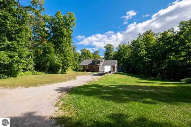 9725 Green Briar Road, Lake Ann, MI 49650 (MLS #1880106) :: Team Dakoske | RE/MAX Bayshore
