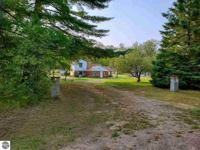 9433 Polk Road, Harrison, MI 48625 (MLS #1880181) :: Michigan LifeStyle Homes Group