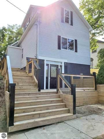 287 Tenth Street, Manistee, MI 49660 (MLS #1880195) :: Michigan LifeStyle Homes Group
