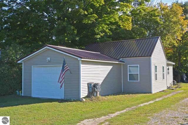 947 Bailey Street, Benzonia, MI 49616 (MLS #1880217) :: Michigan LifeStyle Homes Group