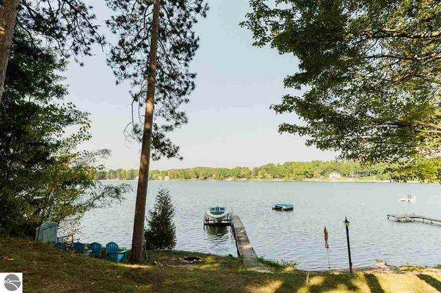 1491 Lake Drive, Traverse City, MI 49685 (MLS #1880282) :: Team Dakoske | RE/MAX Bayshore