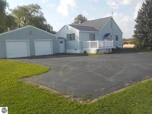 2211 W Baseline Road, Mt Pleasant, MI 48858 (MLS #1880310) :: Boerma Realty, LLC