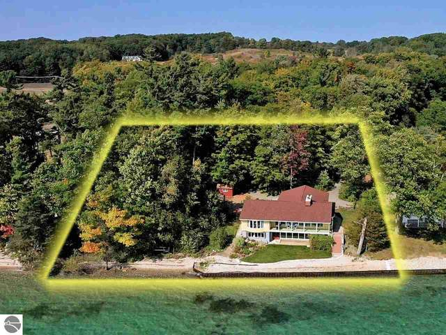 1946 Pine Point Road, Traverse City, MI 49686 (MLS #1880314) :: Michigan LifeStyle Homes Group