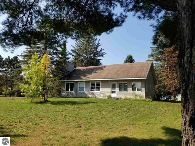 5069 Lockwood, South Boardman, MI 49680 (MLS #1880335) :: Michigan LifeStyle Homes Group