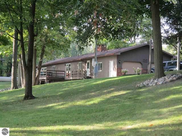 4940 N Union Road, Alma, MI 48801 (MLS #1880398) :: Michigan LifeStyle Homes Group