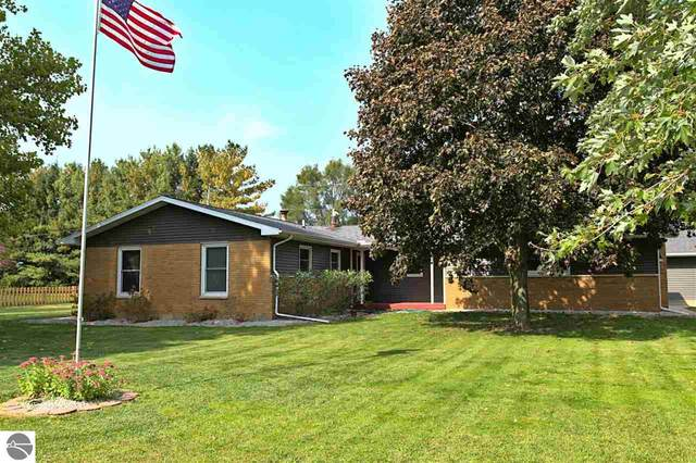 2270 W Washington Road, Ithaca, MI 48847 (MLS #1880401) :: Michigan LifeStyle Homes Group