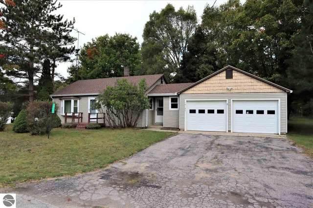 10136 W Salisbury, Empire, MI 49630 (MLS #1880444) :: Michigan LifeStyle Homes Group