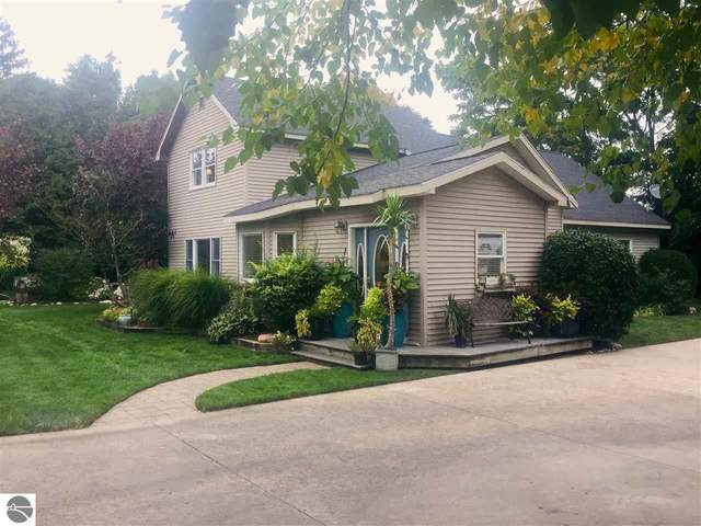 211 S Shabwasung Street, Northport, MI 49670 (MLS #1880507) :: Michigan LifeStyle Homes Group