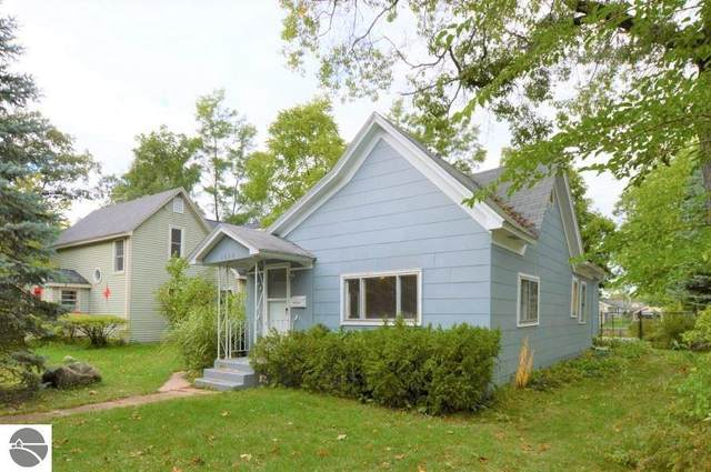 1017 Boyd Avenue, Traverse City, MI 49686 (MLS #1880580) :: Team Dakoske | RE/MAX Bayshore