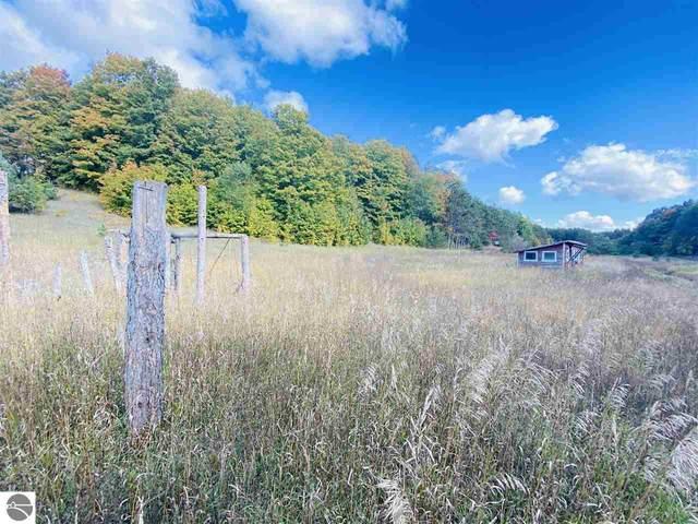 680 N Derenzy Road, Central Lake, MI 49622 (MLS #1880590) :: Brick & Corbett