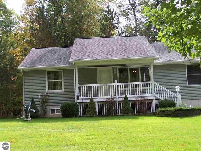 4587 Pine Run, Farwell, MI 48622 (MLS #1880631) :: Michigan LifeStyle Homes Group