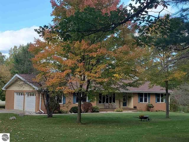 6394 Slosser Road, Hale, MI 48739 (MLS #1880806) :: Michigan LifeStyle Homes Group